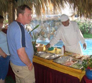 Der technische Koch verwöhnt uns alle Hotel Pueblo Caribe