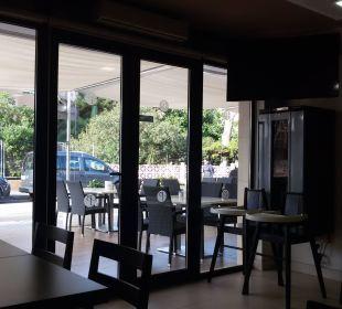 Blick aus dem Restaurant Richtung Außenbereich Appartments Pabisa Orlando