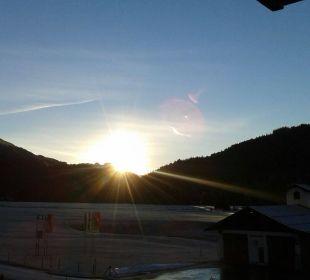 Sonnenaufgang im Dezember Hubertus Alpin Lodge & Spa