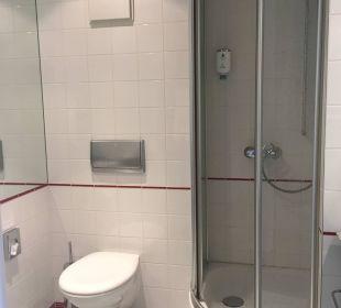 Schlichtes Badezimmer Kongresshotel Potsdam am Templiner See