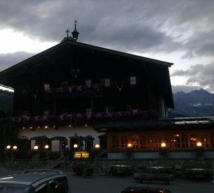Restaurant bei Dämmerung Landgasthof Reitherwirt & Jagdhof Hubertus