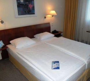 Teilübersicht Doppelbett Globana Airport Hotel