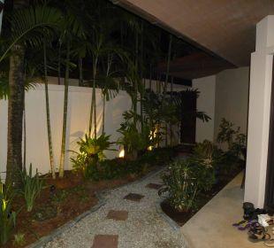 Poolvilla bei Nacht Hotel Dewa Phuket