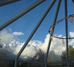 Blick vom Wellnessbereich Kaysers Tirolresort