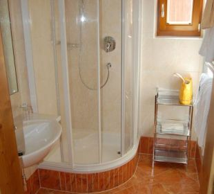Bad mit Dusche Familienhotel Loipenstub'n