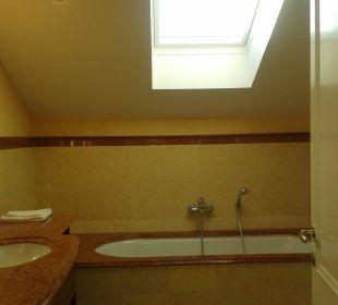 Das Bad mit Wanne Vier Jahreszeiten Kühlungsborn -  Hotel