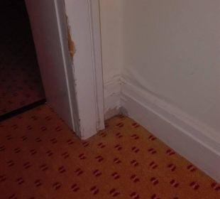Zimmer 253 - Türzarge und Wand Flur zum Schlafbere Dorint Park Hotel Bremen