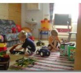 Spielzimmer, Fahrzeuge, alles was Kinder mögen! Berghof Thöni