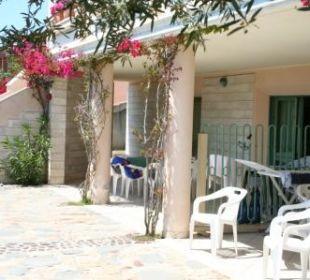 Große, schattige Terrasse am Haus 510 Sardafit Ferienhaus Budoni