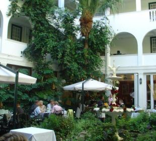 Der wunderschöne Innenhof Hotel Winchester Mansions