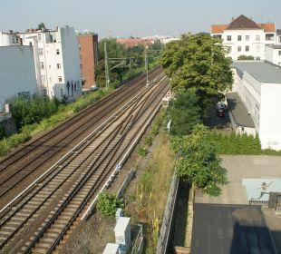 Direkter Blick auf die Gleise EnergieHotel Berlin City West