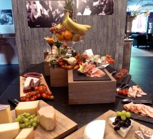 Früchte beim Frühstück Hotel Matthiol