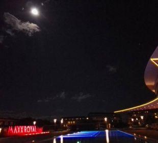 Bei Vollmond / Hoteleingang Maxx Royal Belek Golf Resort