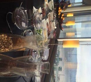 Frühstück mit Ausblick auf den Zürisee Hotel Meierhof