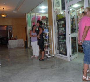 Hoteleigene Einkaufsmöglichkeiten Skanes Family Resort