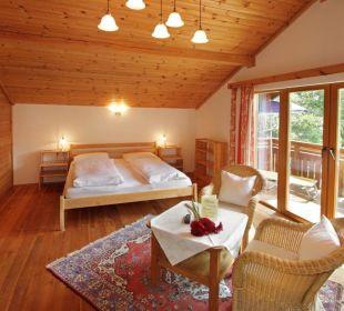 4 Ferienhäuser von 45 bis 140 m2 im Hotelgarten Gartenhotel Rosenhof