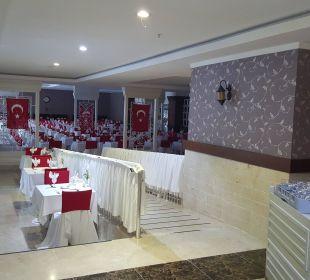 Tischlein deck dich Linda Resort Hotel