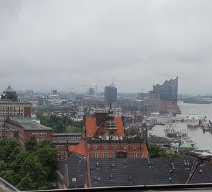 Ausblick Empire Riverside Hotel Hamburg