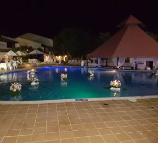Pool am Abend Hotel BlueBay Villas Doradas Adults Only