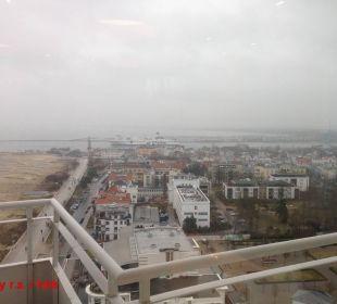Ausblick in 19. Etage aus Skybar Hotel Neptun