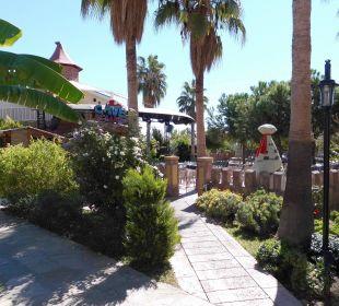 Weg zum Strand Bella Resort & Spa