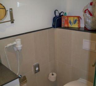 Bad mit Blick auf WC
