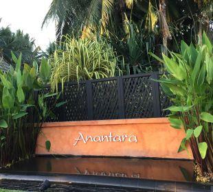 Einfahrt zum Hotel Anantara Bophut Resort & Spa