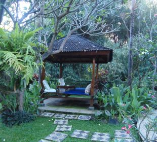 The place for see geikos on the night  Saraswati Holiday House