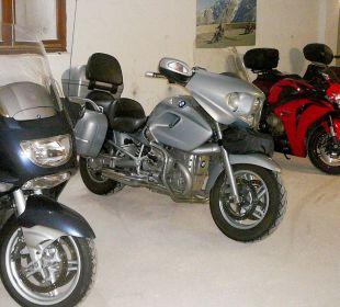 Motorrad-Garage Hotel Steineggerhof