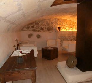 Kellergewölbe mit Büchern u. Spielen,k.Wein mehr  Hotel Ca'n Calco