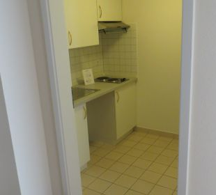 Küche breite durchgänge NewLivingHome Appartements Hamburg