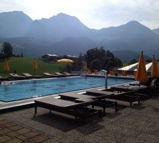 Pool im Außenbereich, Abends Wellnesshotel Zechmeisterlehen