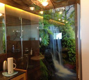 Die Wasserfalldusche Hotel Alpendorf