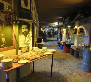 Abendbuffet Etosha Safari Camp