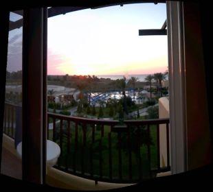 Blick auf Hotel und Strand Hotel Horizon Beach Resort