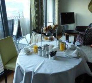 Frühstück auf dem Zimmer Art Deco Hotel Montana Luzern