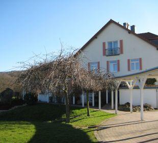 """Blick von der """"Qbar"""" auf Haupthaus Berghotel Ilsenburg"""