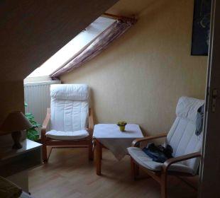 Sitzecke im Zimmer 102 Hilligenley