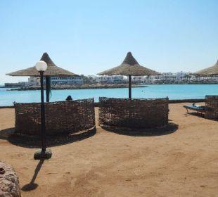 Strand an der Marina