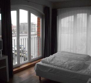 Zimmer mit Ausblick auf Hafen im-jaich boardinghouse bremerhaven