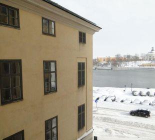 Aus dem Fenster First Hotel Reisen