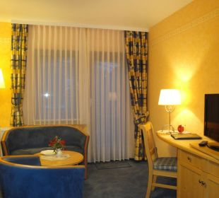 Doppelzimmer Typ B / Sitzecke / 16:9-TV Hotel-Pension Altes Forsthaus