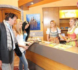 Herzlich Willkommen im Hotel Kärntnerhof Velden Hotel Kärntnerhof