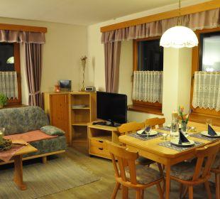 Wohn- Esszimmer Appartement Graslitzen Gästehaus Seewinkel