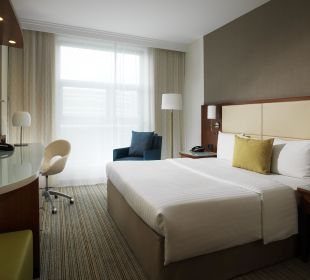 Deluxe Guest Room Courtyard Hotel by Marriott Berlin Mitte