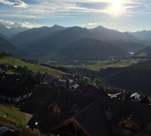 Super Ausblick zum Frühstück Kronplatz-Resort Berghotel Zirm