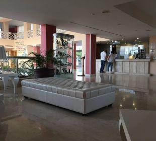 Hotelhalle Hotel Hipotels La Geria