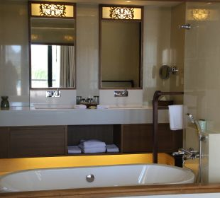 Blick ins Badezimmer Hotel Tanjung Rhu Resort