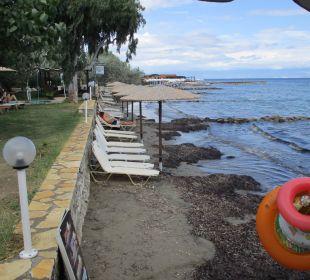 Noch vorhandener Strand Hotel Robolla Beach