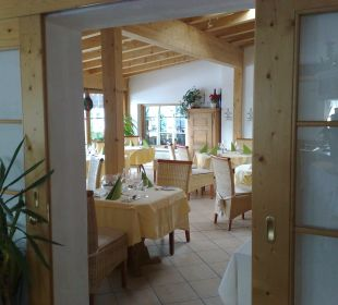 Blick ins Restaurant Wintergarten Hotel Alpenhof Jäger